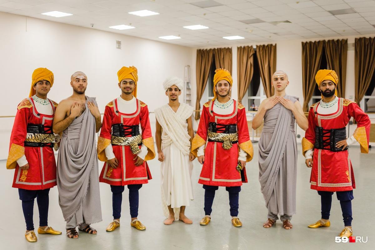 Ребята — студенты Пермской медицинской академии. Все они — из разных штатов Индии