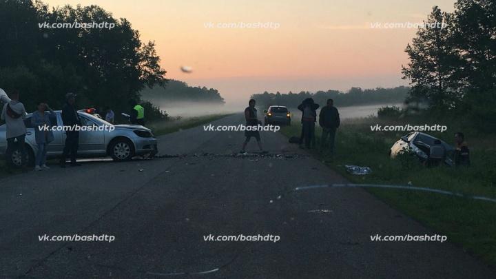 Уснул за рулем: в Башкирии иномарка протаранила легковушку