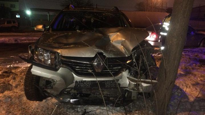 Зацепил легковушку и врезался в грузовик: нетрезвый водитель устроил ДТП в Уфе