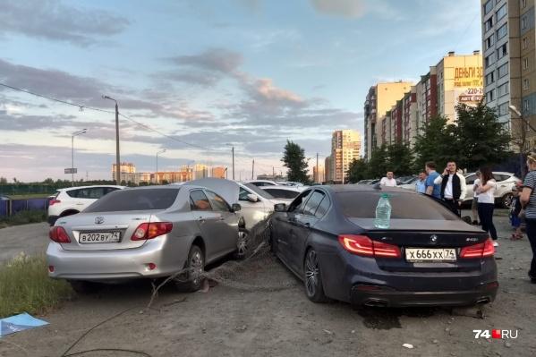 Очевидцы утверждают, что BMW ехал со скоростью не меньше 100 км/ч