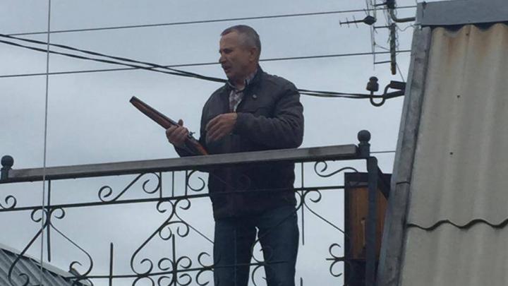 Доведённый до отчаяния садовод выстрелил из обреза в председателя СНТ в Челябинске