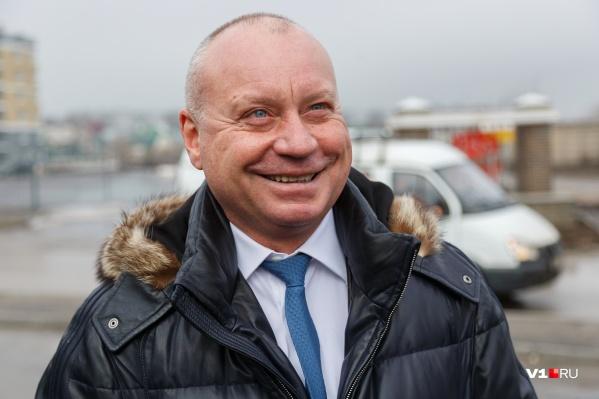 Виталий Лихачёв также подробно описал оплачиваемые расходы при оформлении чиновниками визы