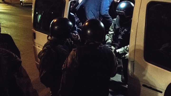 В Самаре силовики устроили облаву на зачинщиков драки с правоохранителями