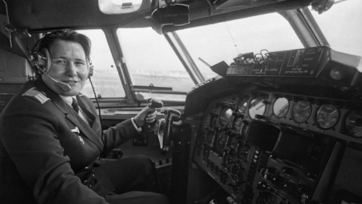 Единственная женщина со званием заслуженного пилота СССР: история свердловчанки Ираиды Вертипраховой