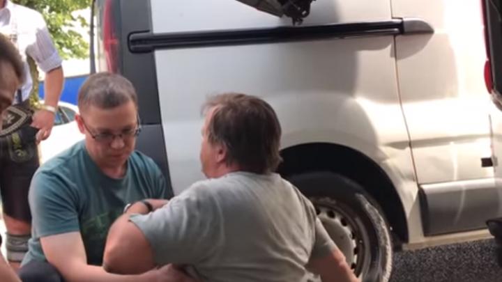 Врач ФК «Уфа» спас жизнь водителю из Австрии