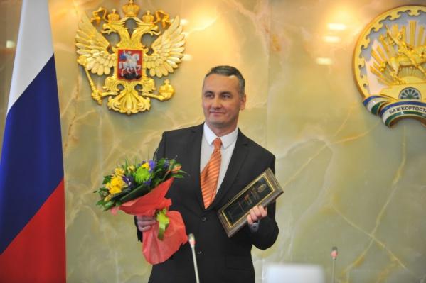 Ансар считает, что без вмешательства властей проблему ничейных Тузиков и Шариков не решить