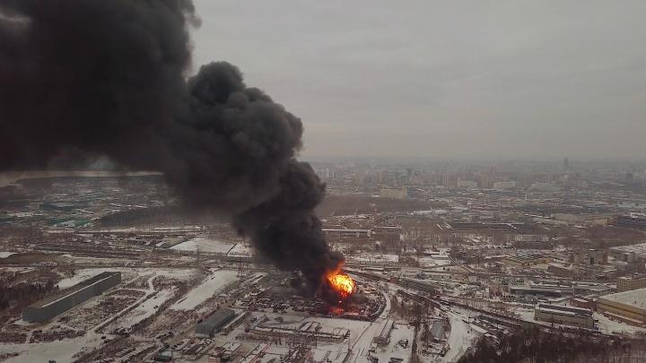 Сильнейший пожар на Эльмаше сняли с квадрокоптера: публикуем видео