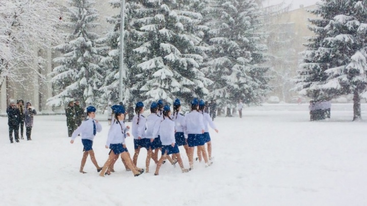 «Есть ребята правда одержимые»: омбудсмен о детях, которые маршировали в снегу в Екатеринбурге