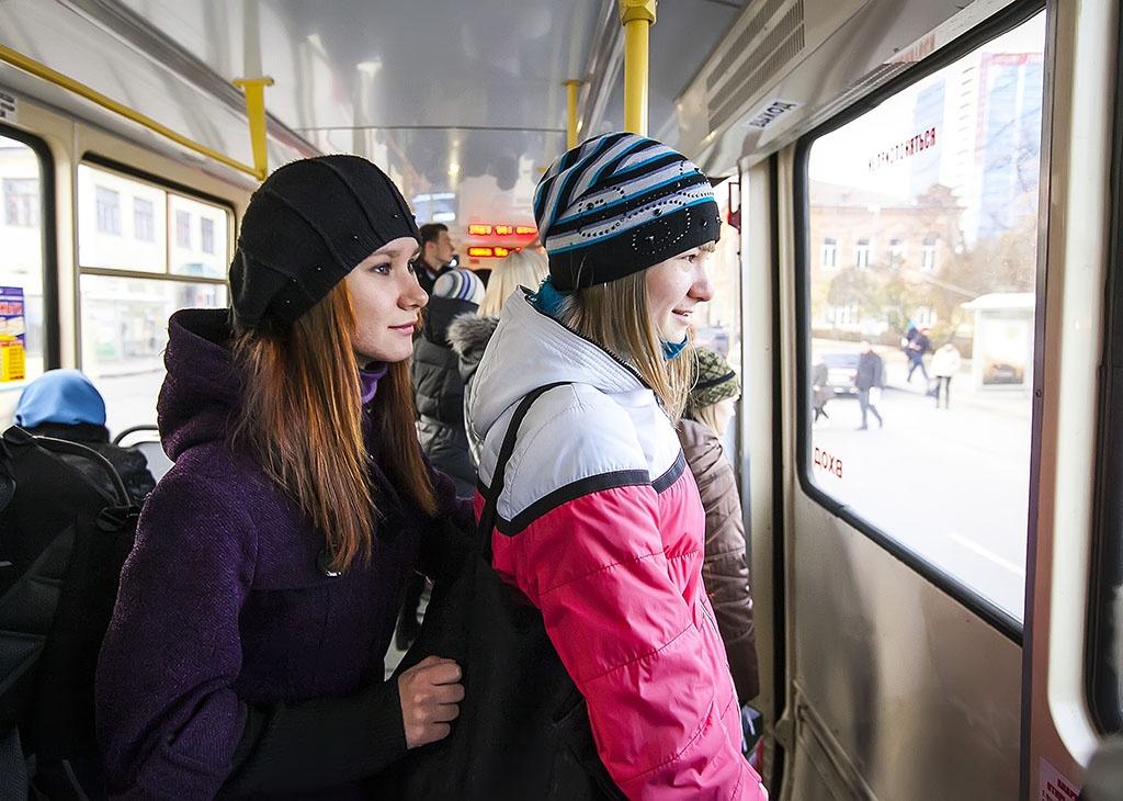 Студенческий билет обеспечит выгодный проезд в городских автобусах и пригородных электричках