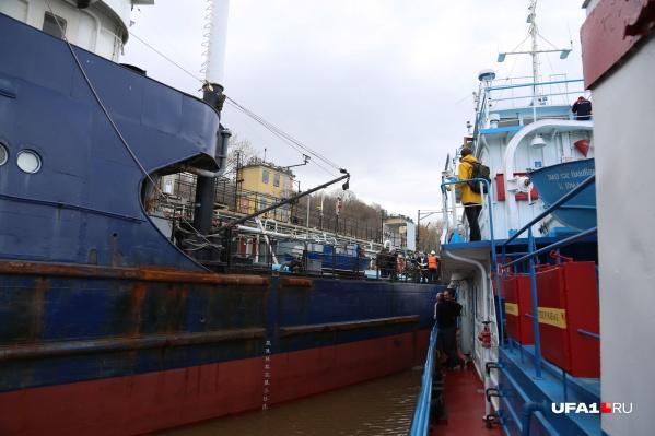 В последний раз мужчину видели на судне «Урал-25»