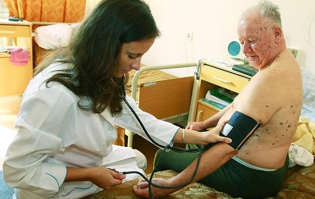 Свежая кровь: в южноуральских больницах стало на 70 врачей больше
