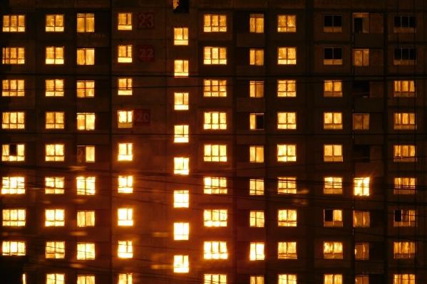 Высотки на улице 40 лет ВЛКСМ заселили перед Новым годом