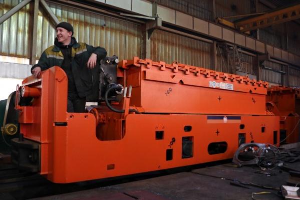 Заводские испытания электровозов с новым двигателем уже закончились