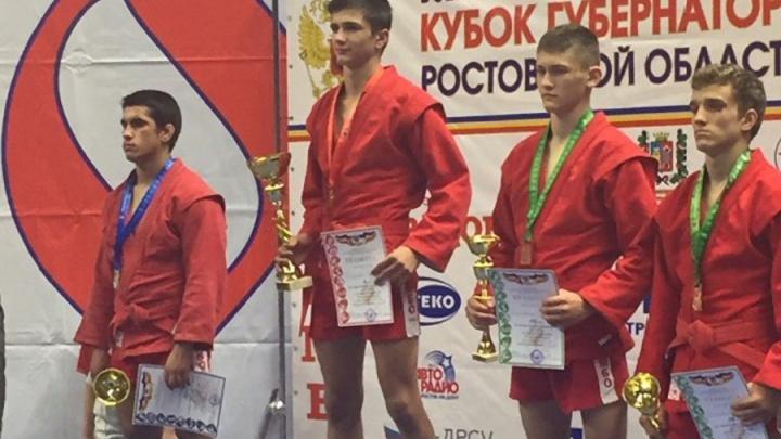 Один из девяти: самбист из Волгоградской области завоевал серебро в Ростове
