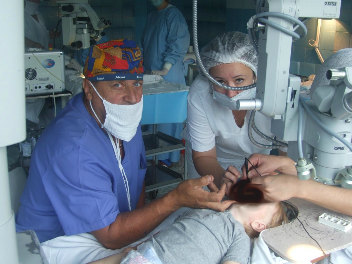 Владимир Маценко 41 год работает врачом-анестезиологом