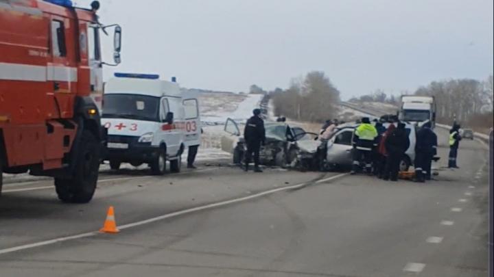 На Южном Урале в лобовой аварии погибли четыре человека, ещё трое ранены