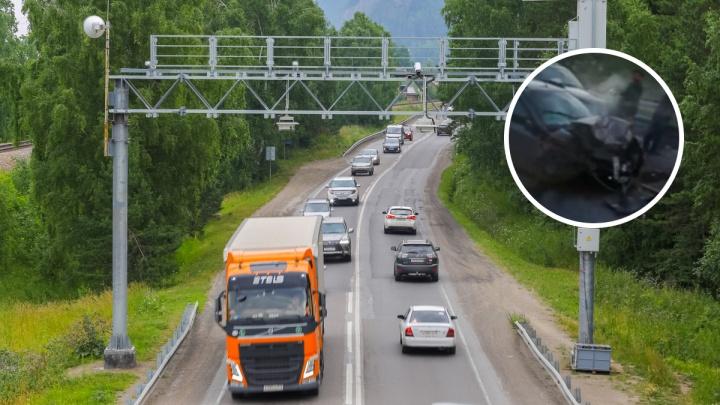 На серпантине по пути в Дивногорск пьяный мужчина устроил массовую аварию с пострадавшими