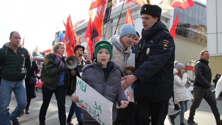 «Полигон на Шиесе — начало конца»: фоторепортаж с несогласованной акции протеста в Архангельске
