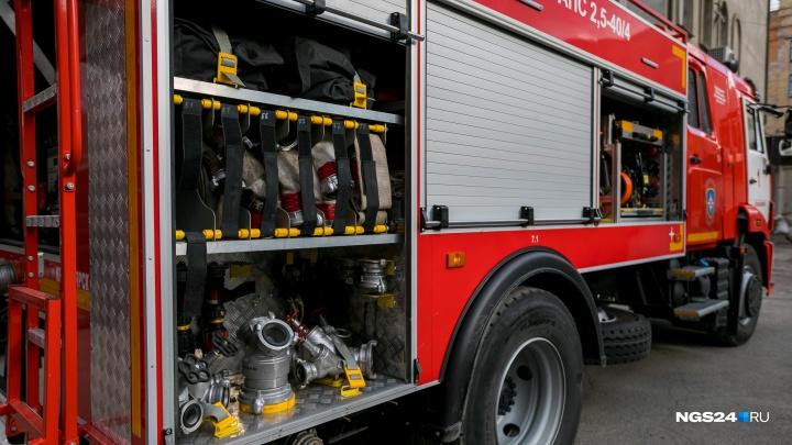Эвакуировали 50 человек, тушили авто и бани: за сутки в крае произошло 5 пожаров из-за замыкания