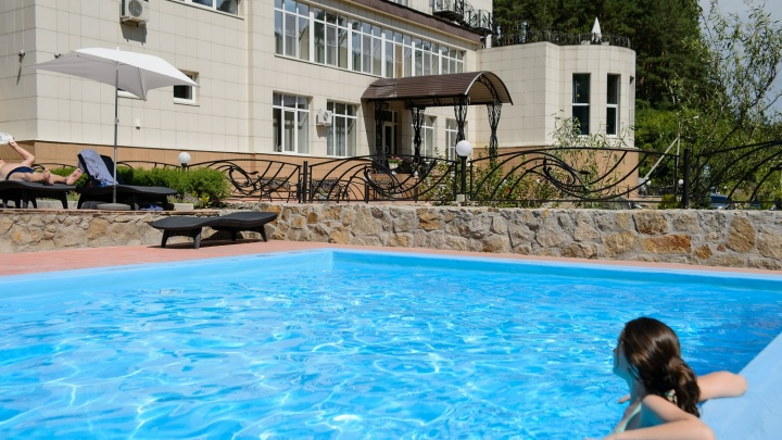 Отдых на курорте федерального значения: санаторий в Белокурихе распродает путевки по низким ценам