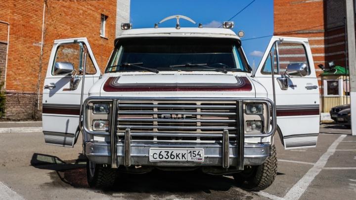 Дом на колёсах — по цене «Лады»: катаемся на старом американском автобусе с двигателем от «Корвета»