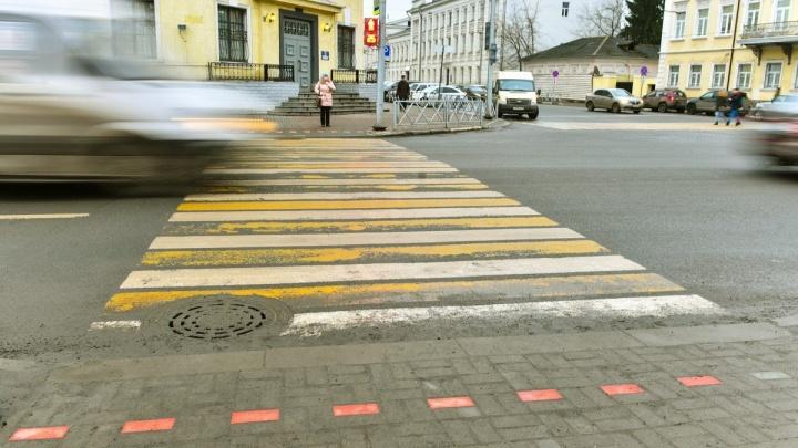 Будет красиво по всему городу: назвали адреса, где уложат плитку-светофор