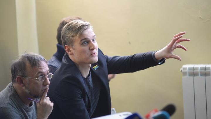 Депутат гордумы Андрей Пирожков объяснил, почему не идет в армию