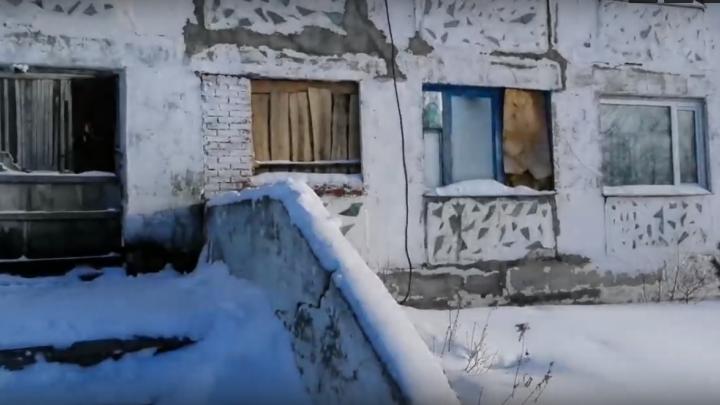 В Омской области жильцам двух многоквартирных домов пригрозили выселением