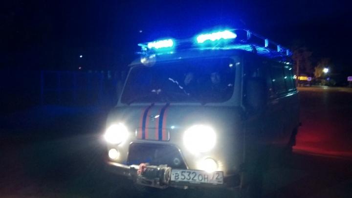 В Тюмени прохожие нашли в канаве тело утонувшего мужчины