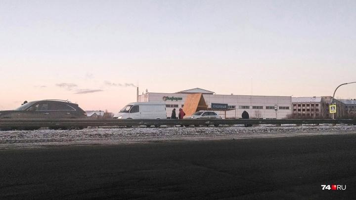 «Не могут найти ногу»: рабочего кондитерской фабрики сбили насмерть на «зебре» под Челябинском