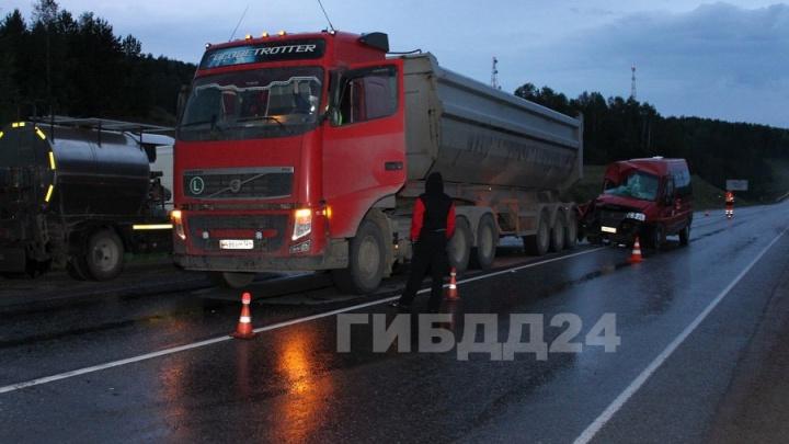 Озвучены первые итоги проверки по аварии автобуса и грузовика с 12 пострадавшими