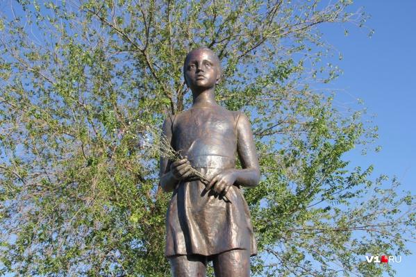 Памятник девочке Миле стал самой знаменитой работой скульптора