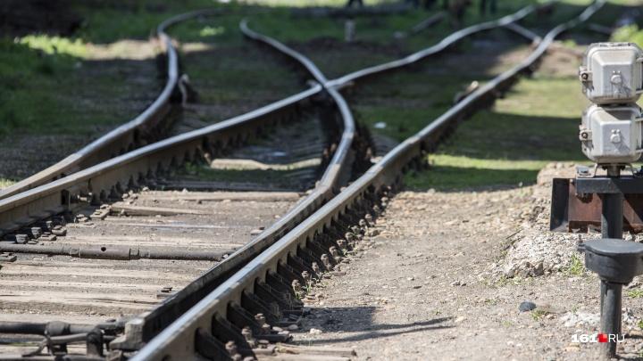 В Ростовской области 53-летний мужчина погиб под колесами поезда