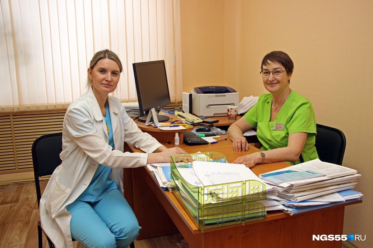 Оксана Головко (слева) и Елена Ходус (справа)