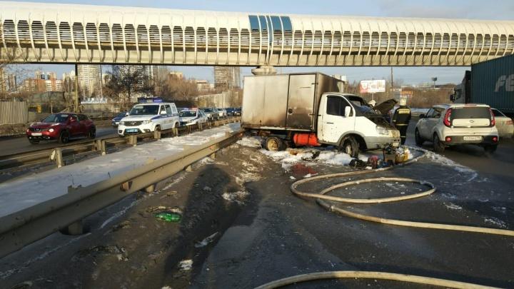 Группа разбора: как участник ДТП, в котором сгорели два авто, отделался штрафом в 500 рублей