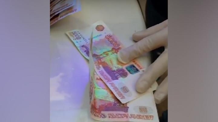 Обещал покровительство: в Самаре сотрудник Росрыболовства попался на взятке