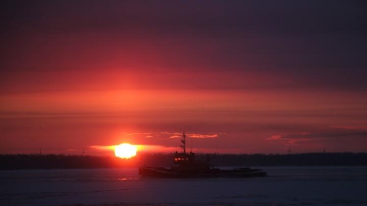 Этот город в огне: смотрим, как Архангельск поглощает холодный ноябрьский закат