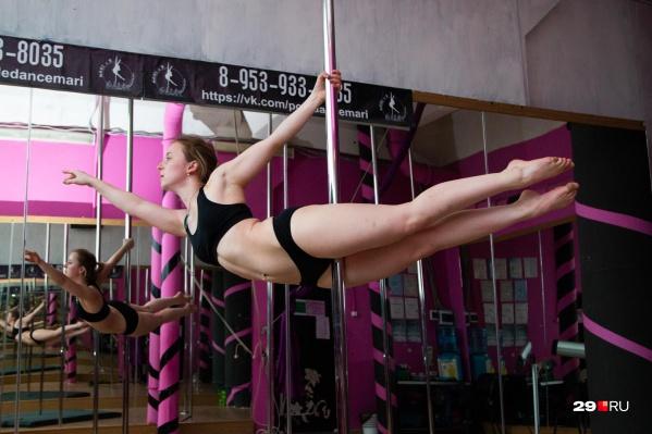 Начинающий невролог Анастасия Чех еще в школе загорелась желанием податься в воздушную атлетику