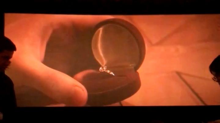 Нижегородец сделал предложение своей девушке на экране кинотеатра