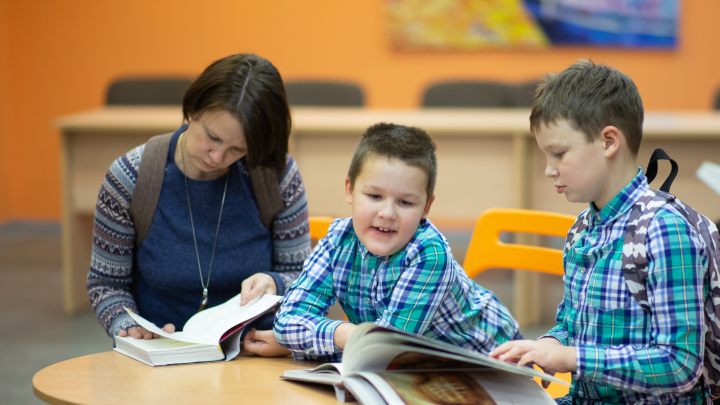 «Никто не обязан любить классику»: важные «не надо», или Как родители мешают детям увлечься чтением