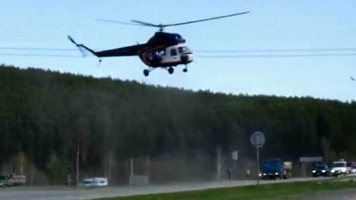 На Челябинском тракте в ДТП разбился Mercedes — его водителя эвакуировали на вертолете