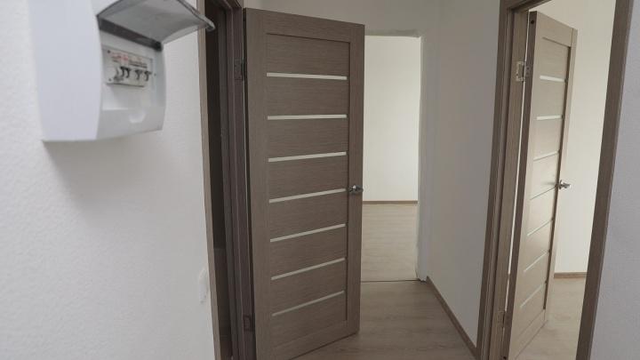 Переехать в дом с котельной за 2,07 млн рублей: в Екатеринбурге появилось доступное жильё с ремонтом
