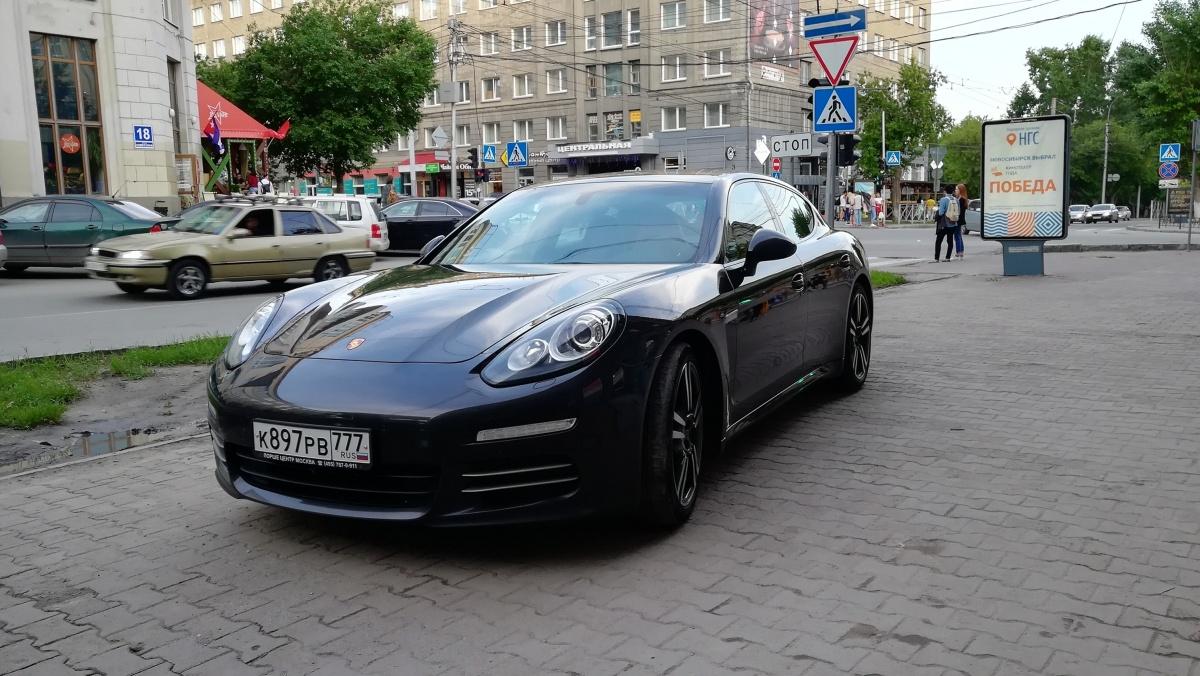 «Я паркуюсь как чудак»:Porsche 777 — я тут главнее всех