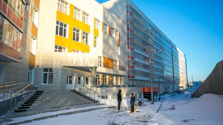 «Первый день плакала, потом познакомилась с мальчиками»: как живут студенты в общежитиях Красноярска