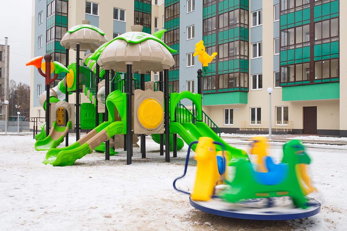 Внутренний двор первого дома «ювелирного» квартала — уютное пространство для игр и прогулок на свежем воздухе