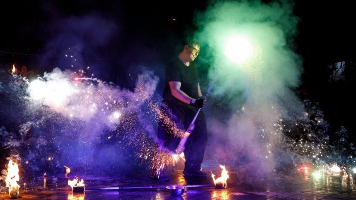 На Рождество в центре Волгограда запустят сотни огненных «комет» и цветов