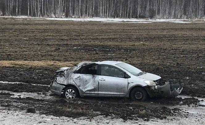 На трассе в Башкирии автомобиль улетел в кювет, перевернувшись четыре раза