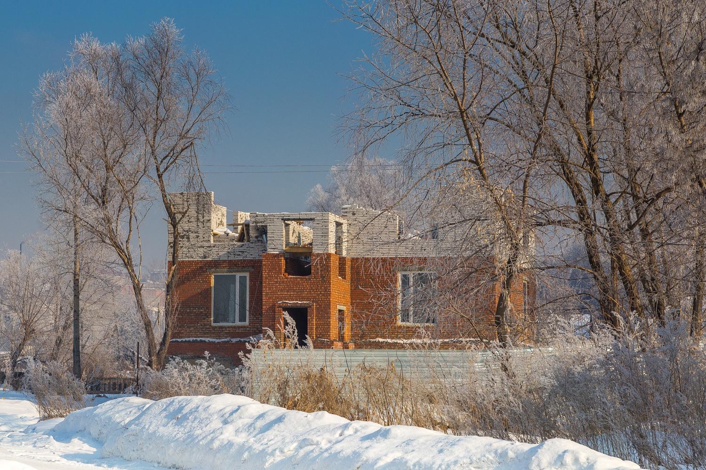 Некоторые дома, впрочем, с тех пор заменили новыми, кое-где строительство идёт и сегодня