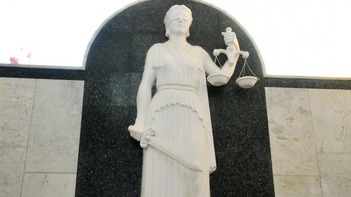 Схватил за волосы и потащил: в Верхней Пышме будут судить мужчину, который хотел похитить женщину