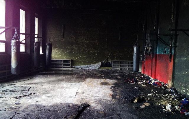В Башкирии дотла сгорел детский зал для бокса